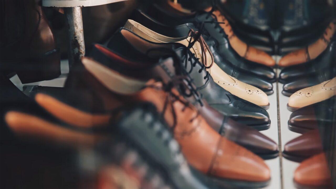 https://www.negozioperfetto.it/wp-content/uploads/2020/10/footwear-1838767_1920-1280x719.jpg