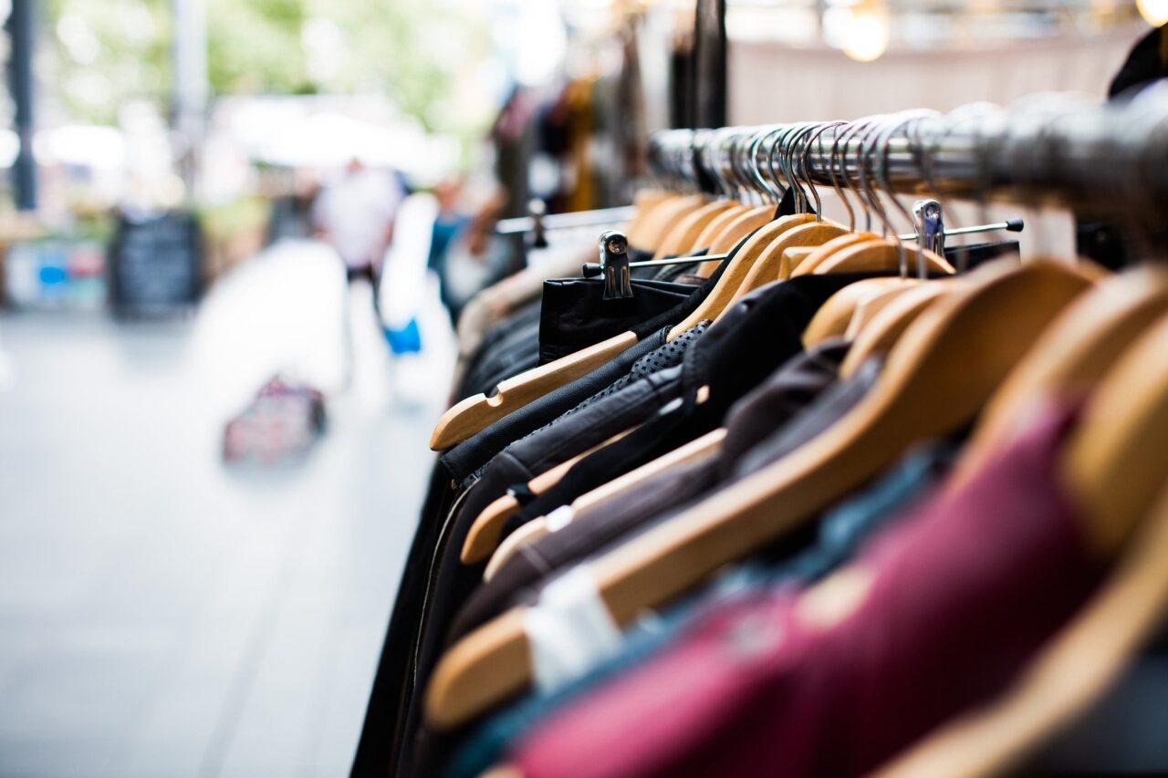 https://www.negozioperfetto.it/wp-content/uploads/2020/11/negozio-negoziante-online-commerciante-ecommerce-1280x853.jpg